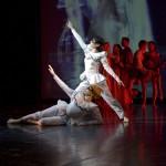 """Polski Teatr Tańca - """"Dobrze, żę tu jesteś"""", chor. projektu Ewa Wycichowska"""